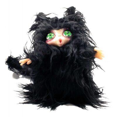 Peluche Peluche MicioMicio il Folletto che si traveste da gatto nero con occhi verdi