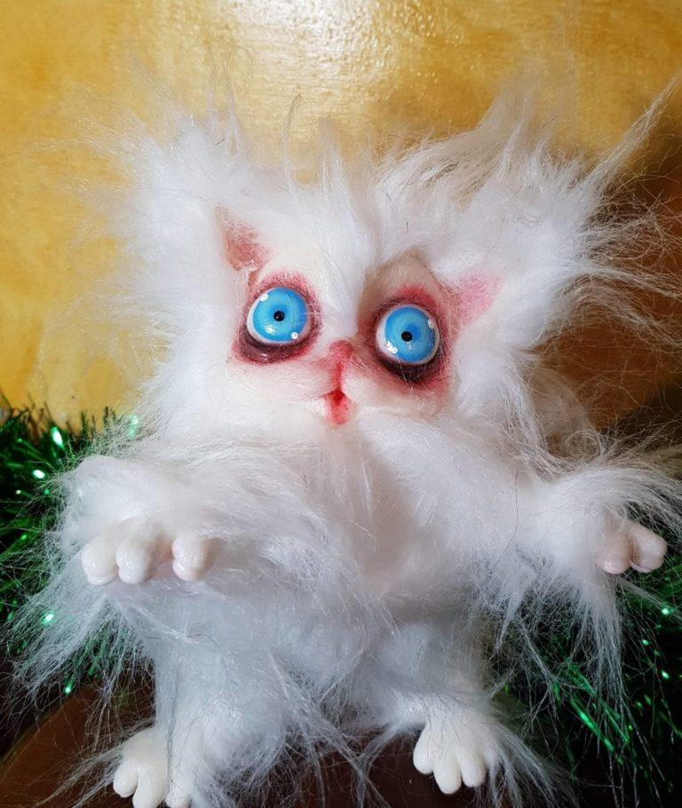 Peluche Gatto Bianco Cagliostrino occhi azzurri e  pelo liscio