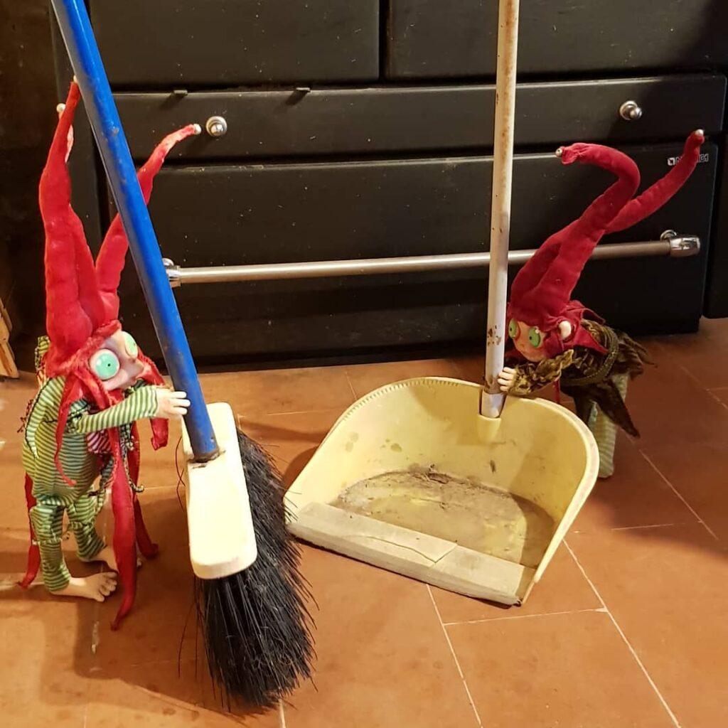 instablog Se non avessi i ad aiutarmi a pulire.... ... dollart dollfantasy elf faeries fantasydolls fattoamano folletti goblin goblins piccolopopolo